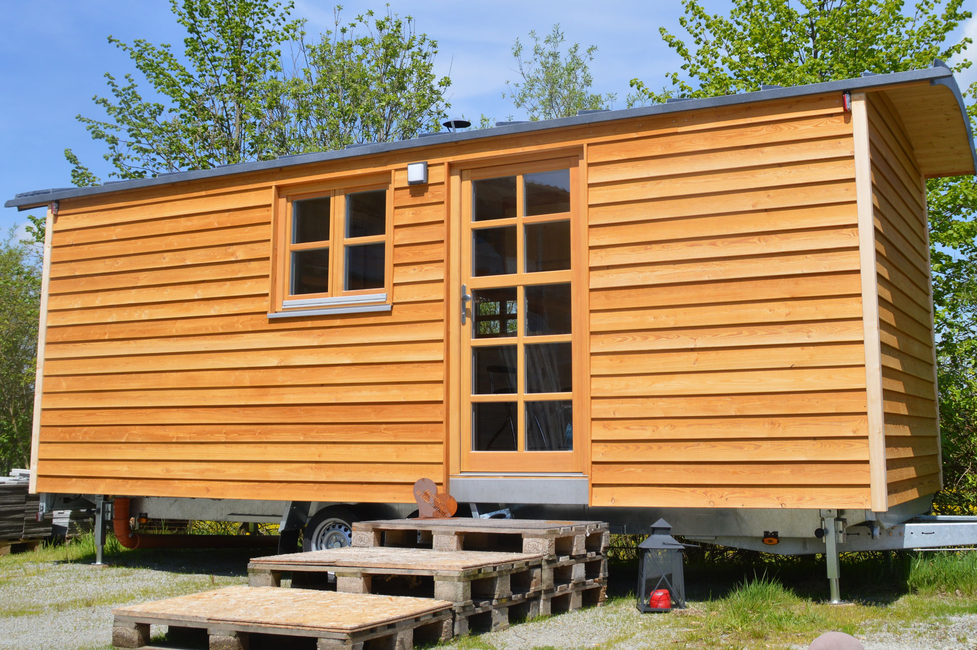 Tiny houses holzbau pletz for Minihaus mobil