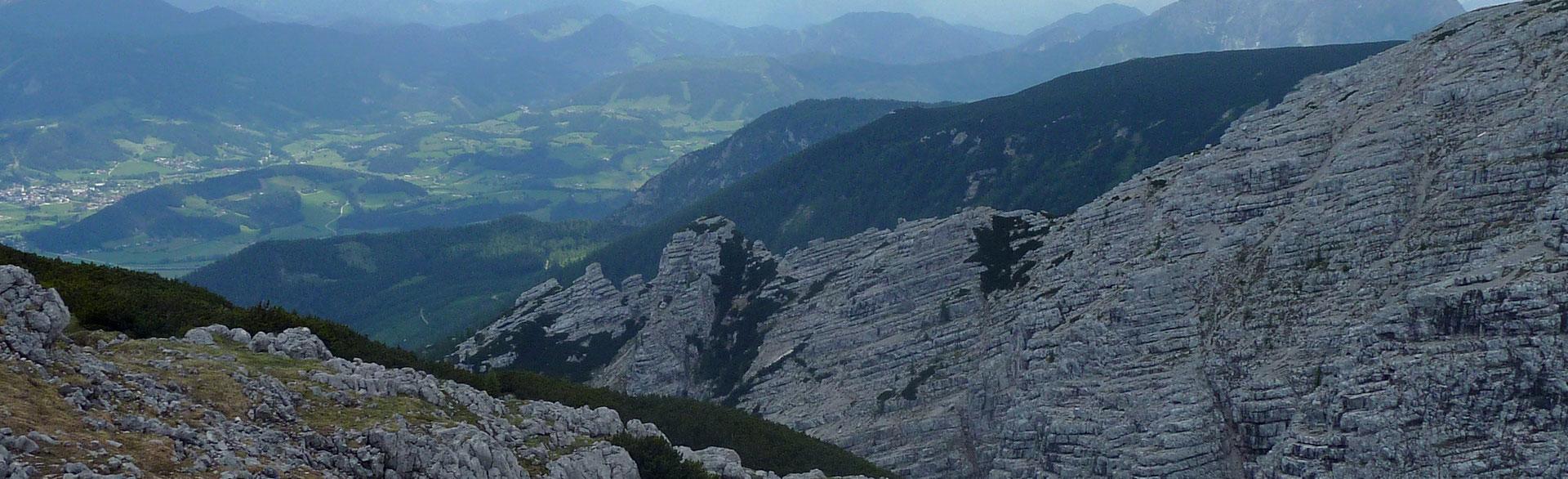 Ein einsamer Anstieg für Abenteuerlustige Wizi´s Bergwelt