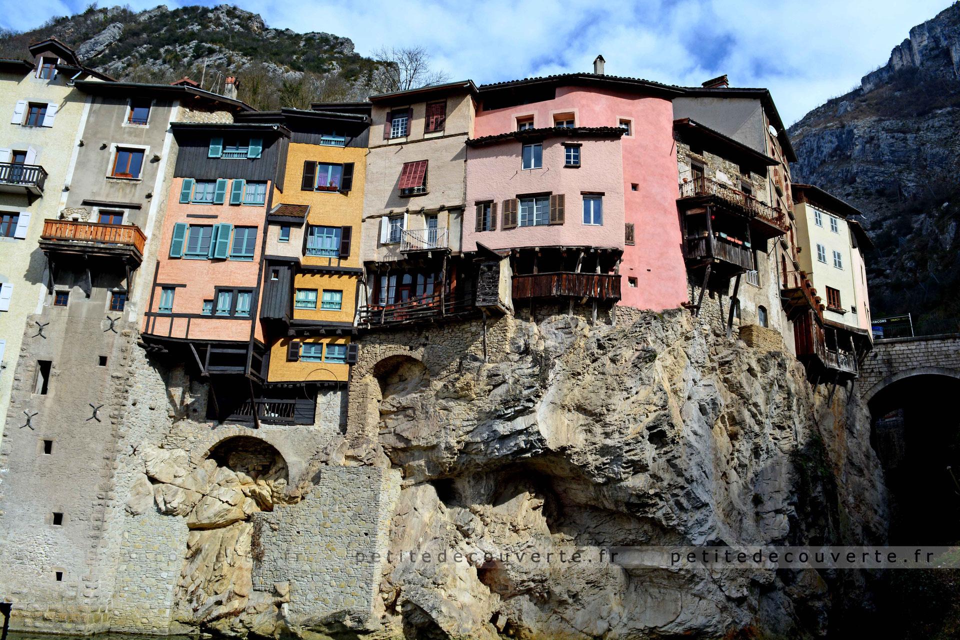 Maisons suspendues de pont en royans petite d couverte - Office du tourisme pont en royans ...
