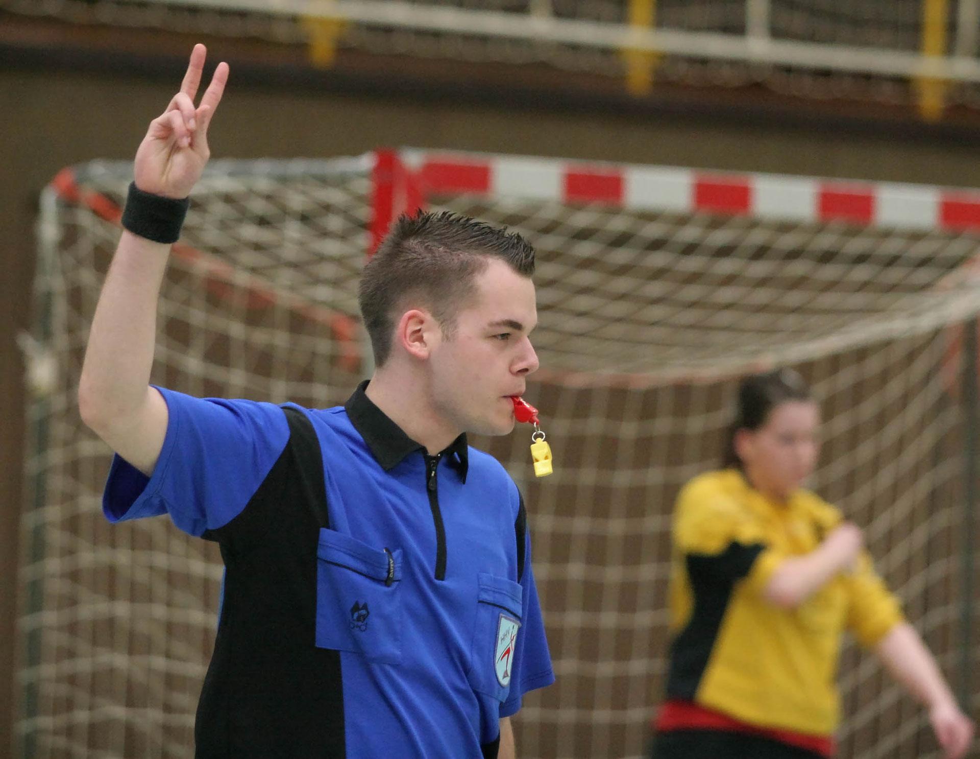 Handball Blaue Karte.Das Sind Die Neuen Regeln Hv Langenthal