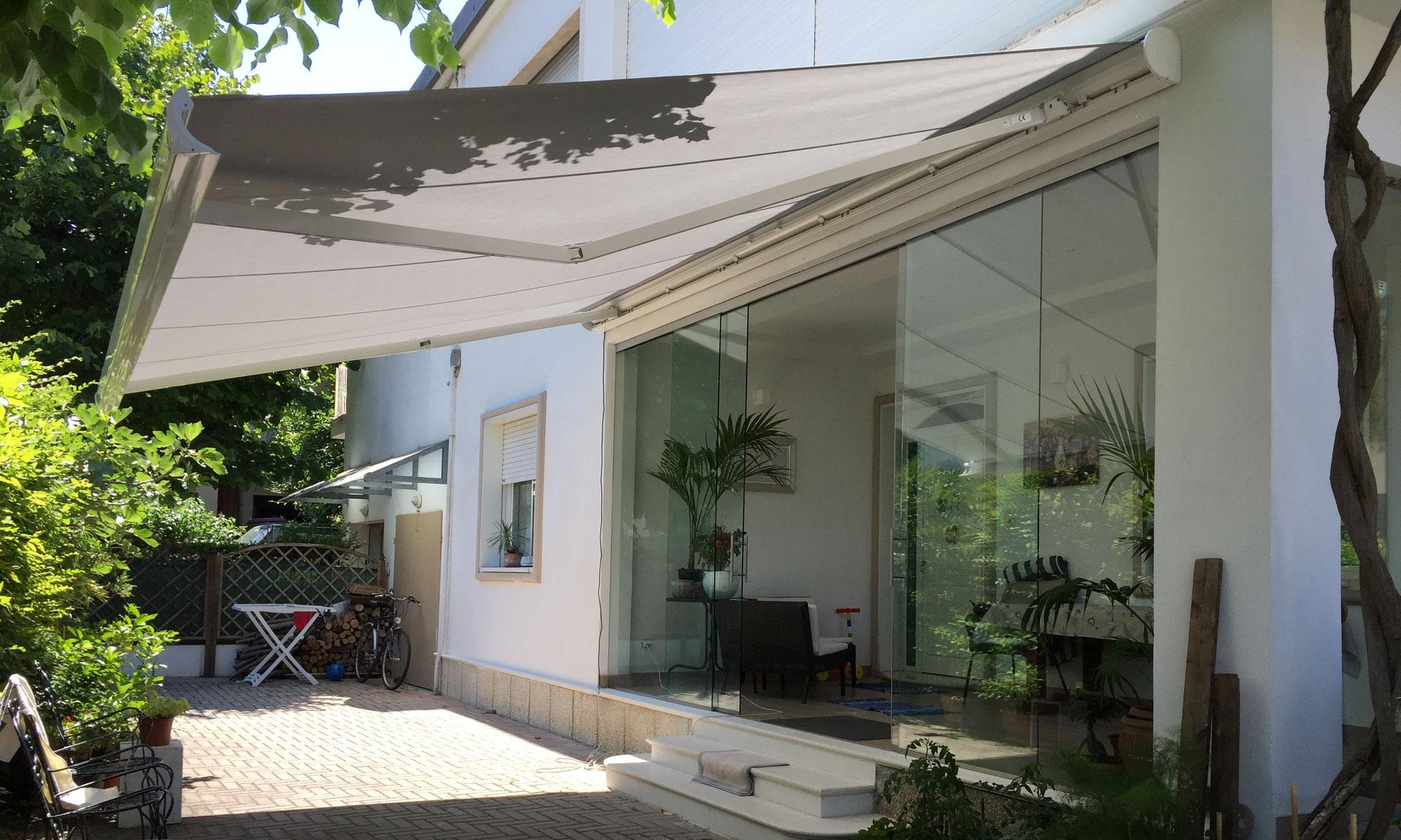 Arredamento Da Giardino Rimini.Tenda A Bracci In Giardino Raggini Arredo Tessile Outdoor