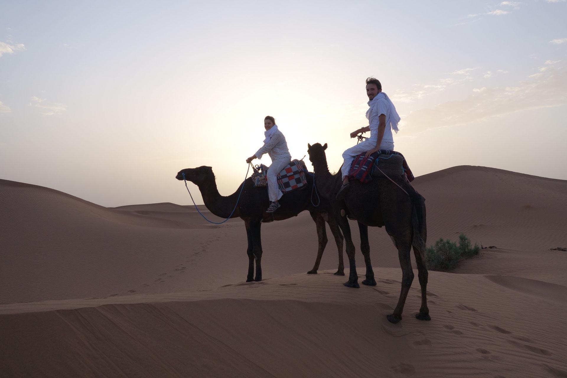 o partir en voyage de noce voyage d sert maroc trek dans le d sert maroc pas cher. Black Bedroom Furniture Sets. Home Design Ideas
