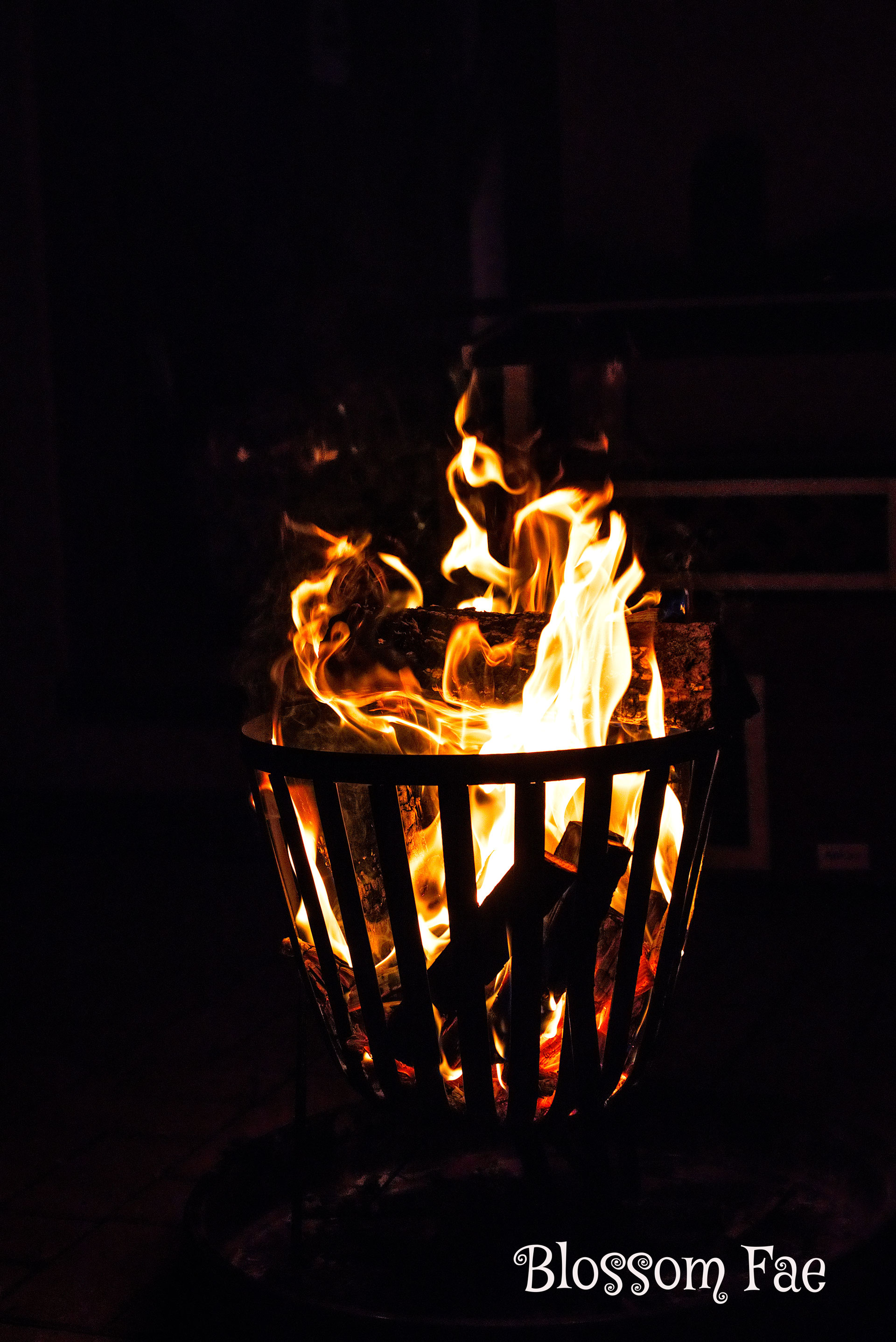 Element Fire - Tales Unfold Free Tarot and Oracle Readings