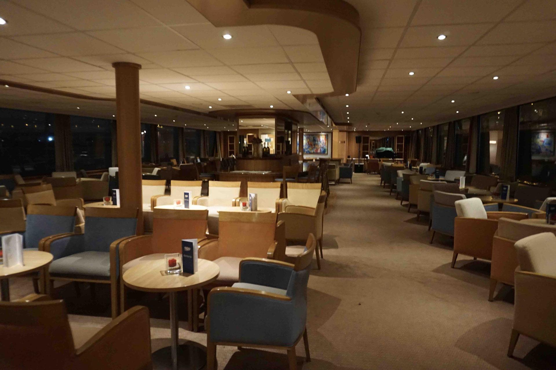 MS Rhein Melodie Panorama Lounge mit Bar