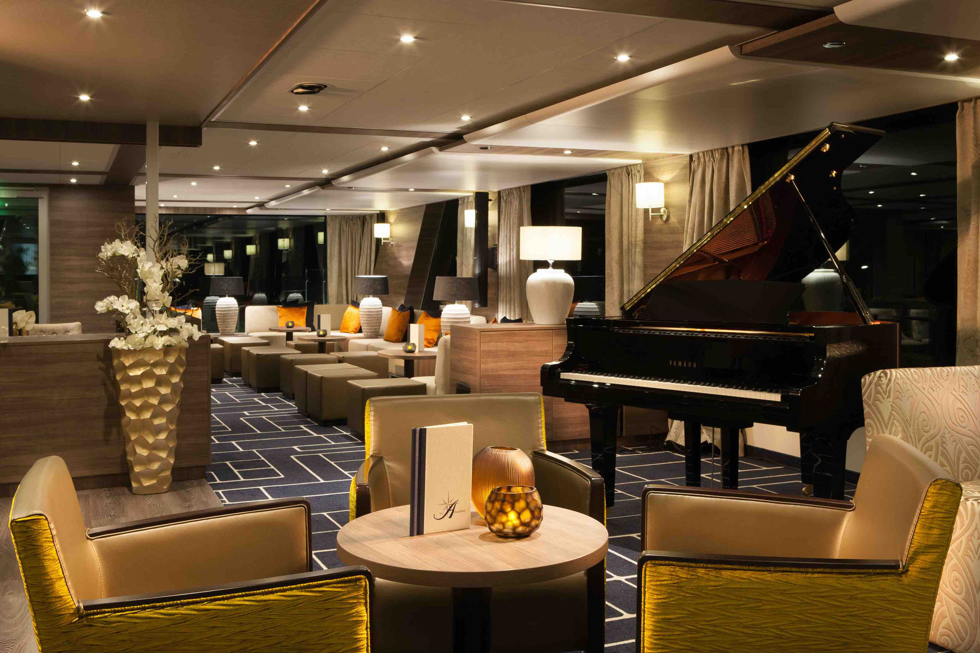 AMADEUS Silver III Panorama-Lounge