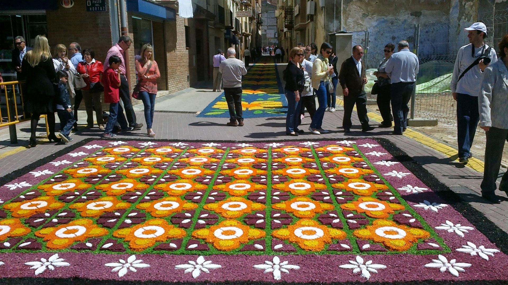 Las Alfombras Del Corpus Christi En Tamarite De Litera Huesca