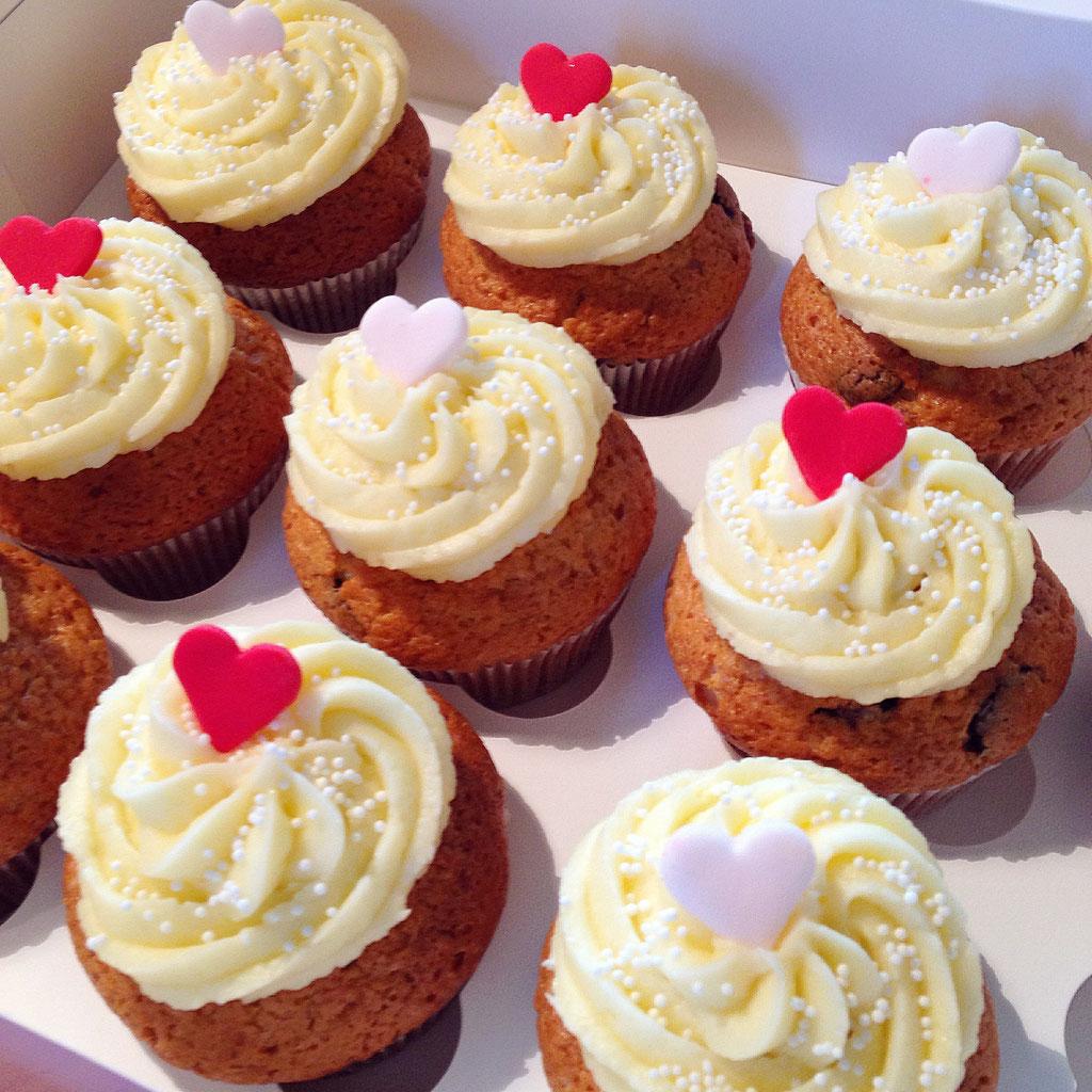 hochzeiten cupcakes cakepops muffins torten candy buffets aus hamburg von bunny und scott. Black Bedroom Furniture Sets. Home Design Ideas