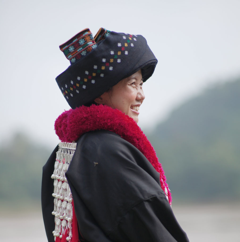 Traditional Clothes Mien Project