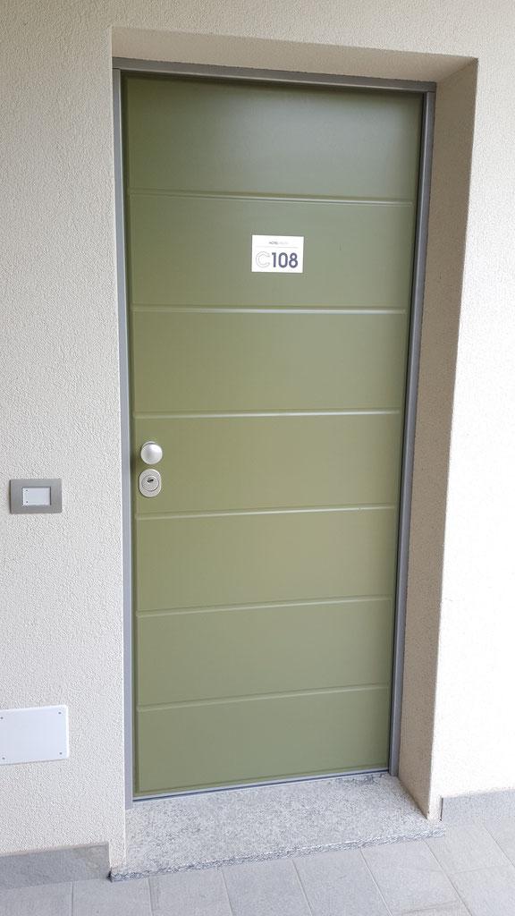 Porte entrata fgs serramenti como serramenti infissi porte for Porta d ingresso coloniale olandese