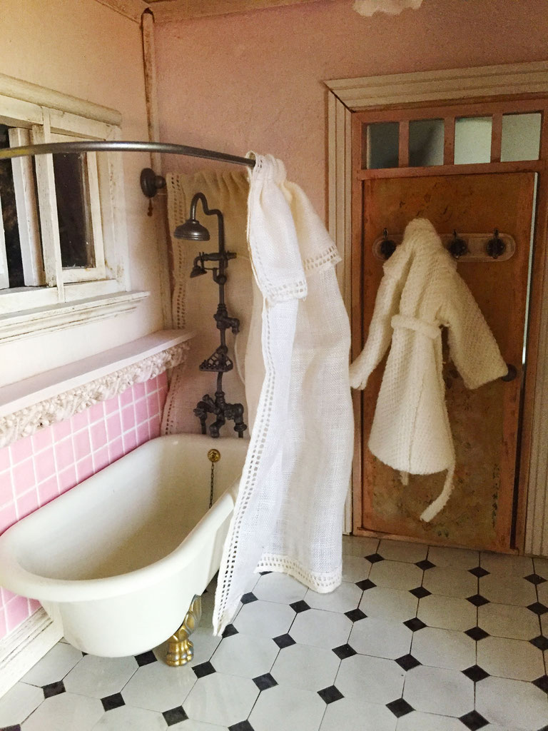 Black White Bath Mat