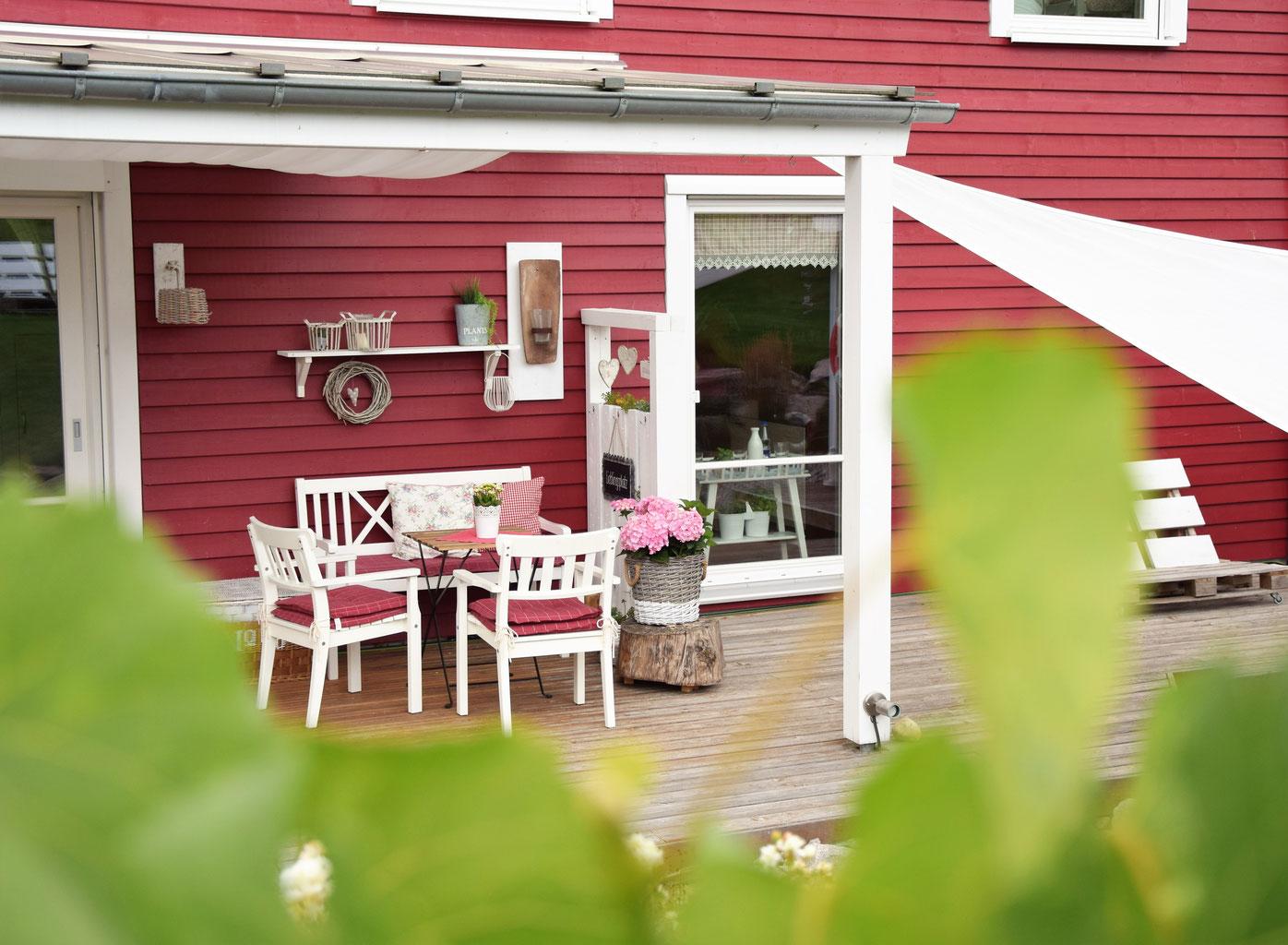 palettenwand f r die terrasse annundjans webseite. Black Bedroom Furniture Sets. Home Design Ideas