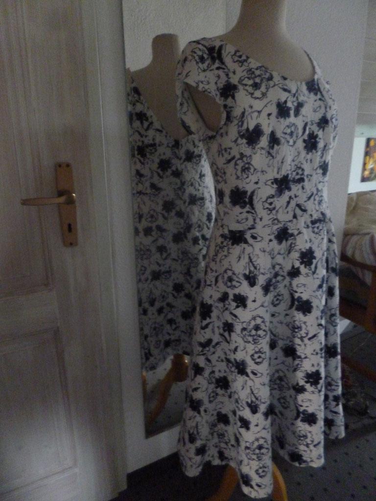 Brautkleider von Peppermilla, individuelle Schnitte, Singen am ...