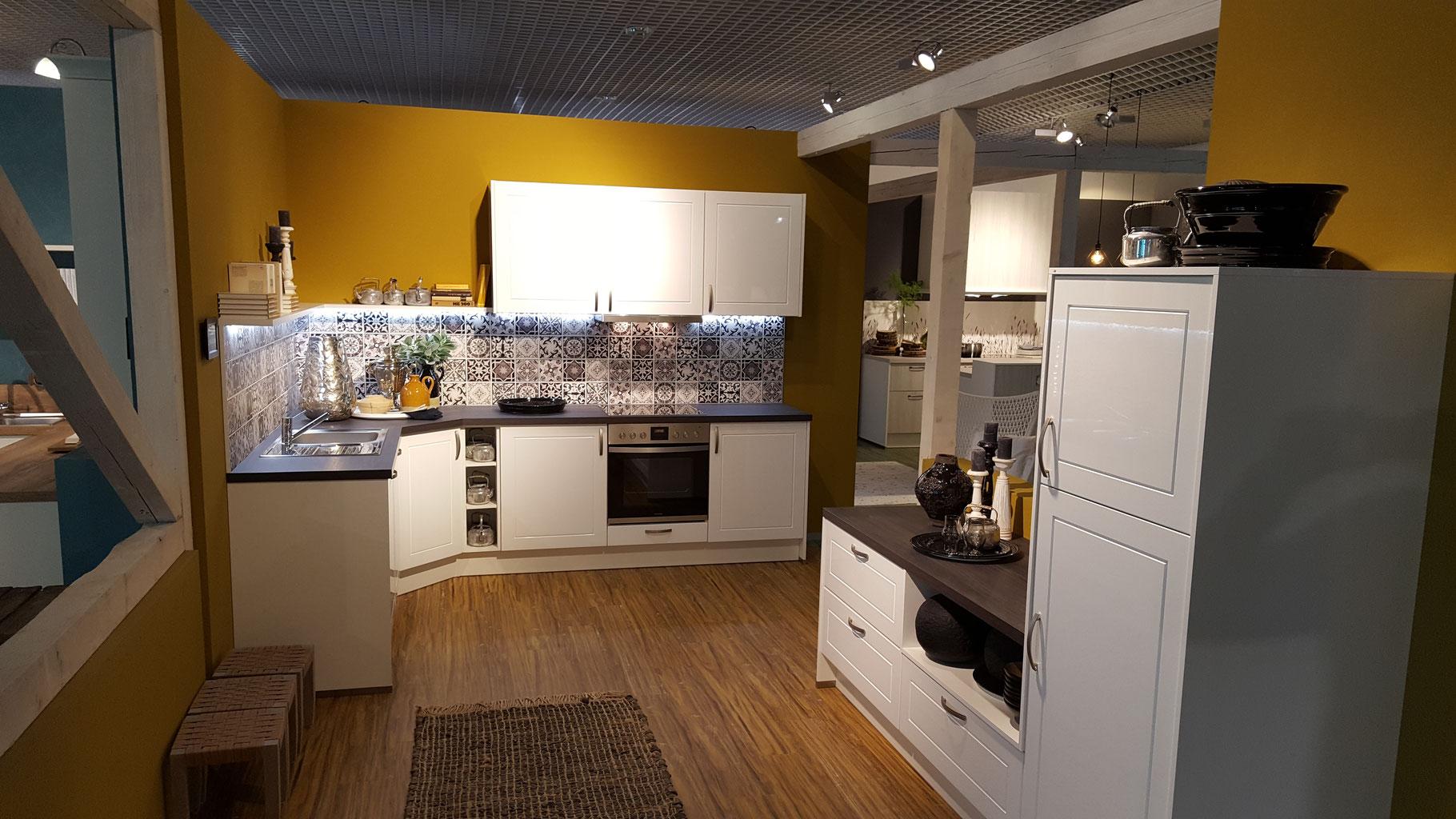 Keukens Sneek Kleuren : Goedkope keukens goedkoper wilka keukengroothandel
