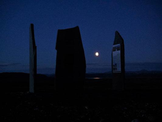 Mond am NP-Gedenkstein