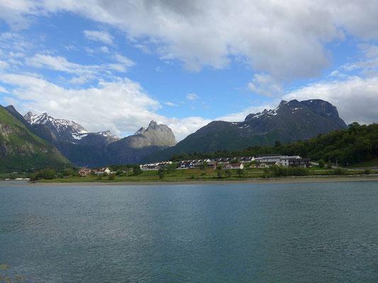 Rückblick auf Isfjord und Romsdalsalpen