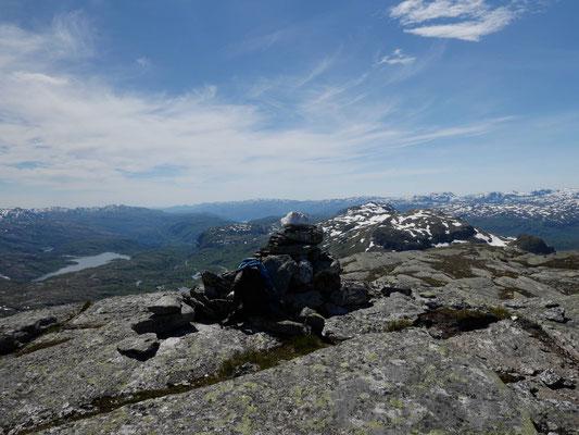 Ausblick vom ersten Gipfel