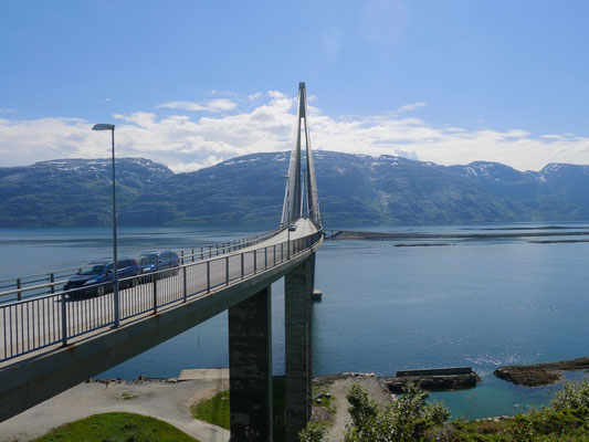 Brücke nach Sandnessjoen