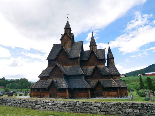 Heddal Stabkirche - imposante Größe