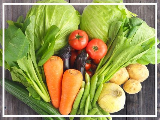 理科の先生をしていた奈良じいちゃんの無農薬野菜が季節毎に届けられます。