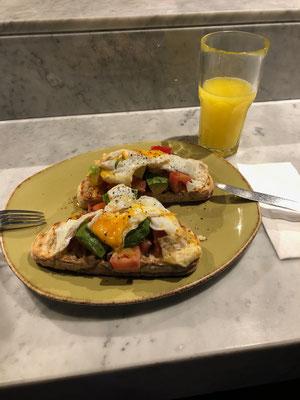 Schafiges Frühstück *mäh*