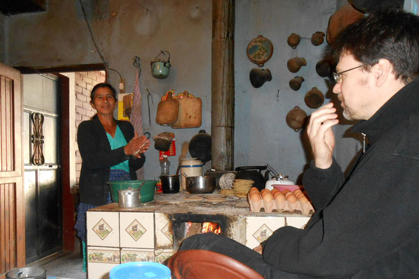 Mama Linda bei Tortilla machen