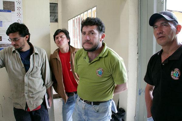 José Cueva (Agronomder AACRI), José Rivera (Präsident der AACRI), Ramiro Fuertes (Geschäftsführer der AACRI), Franklin Navarrete (Agrartechniker der AACRI)