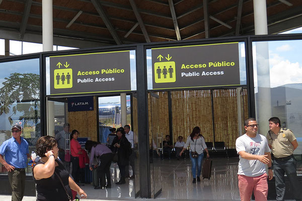 Terminal in der Bambushütte
