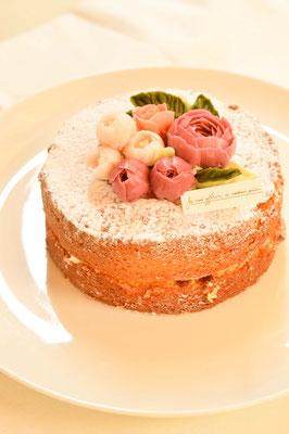 直径15cm ヴィクトリアンケーキ、杏ジャム、ピオニー、ローズ、フリージア