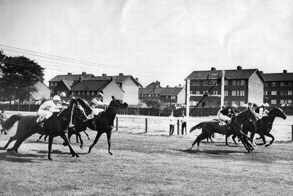 Bromford Racecourse 1961 - image from the Birmingham Mail