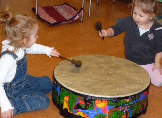 Helga Bauer - Musizieren mit Kindern bei Tageseltern Betreuungseinrichtungen