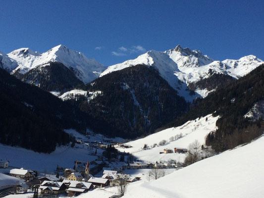 Winter in Weißenbach - das Dorf unter der weissen Schneedecke