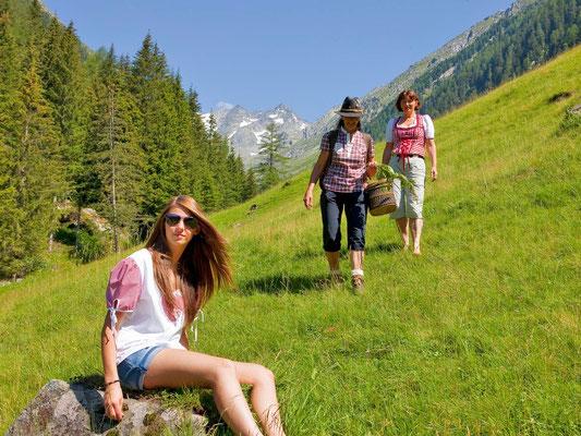 Sul sentiero delle erbe a Riobianco - Alto Adige