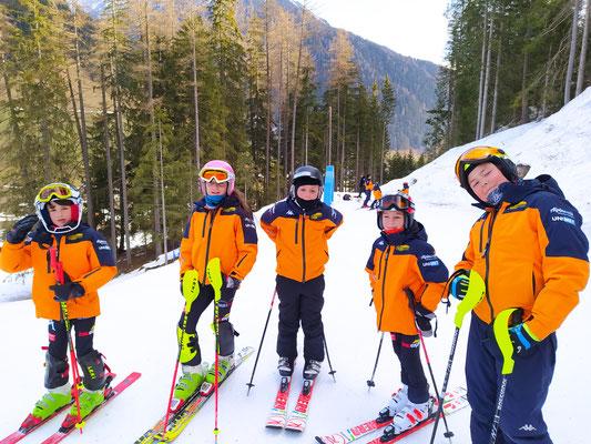 Die Kids des WASV trainieren beim Family Skilift Weißenbach - Skiworld Ahrntal