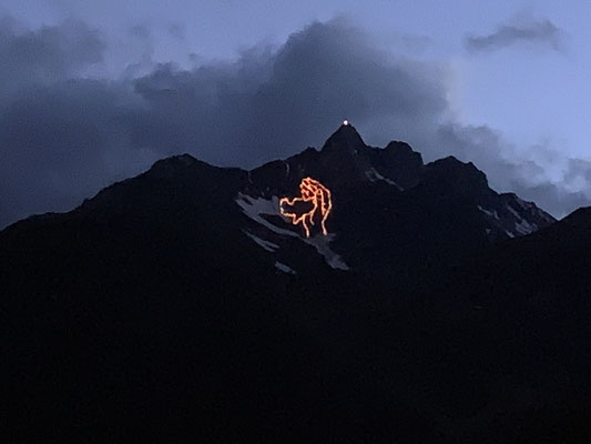 Herz Jesu Feuer in Weißenbach am 21. Juni 2020