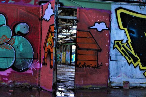 LEIPZIG - Lost Place - Door