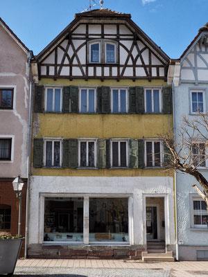 Eines von vielen leerstehenden Gebäuden in der Oberndorfer Oberstadt