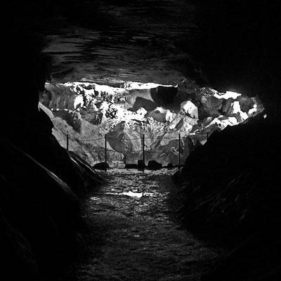Kalkberghöhle, vom Erna-Mohr-Gang in die Zentralhalle geblickt