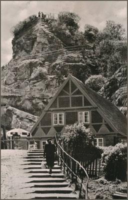 Kalkberg und Höhlenwärterhaus vor 1960