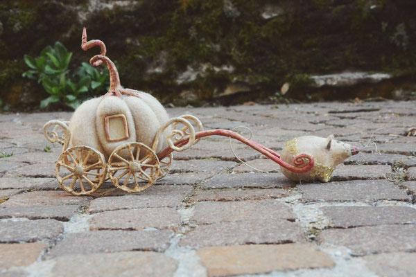 Carrozza zucca di Cenerentola, feltro e pasta di legno