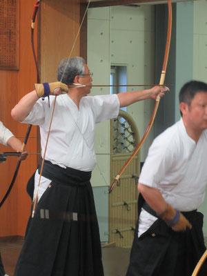 本学S50卒の永井先輩、同期の齋藤会長には負けられません