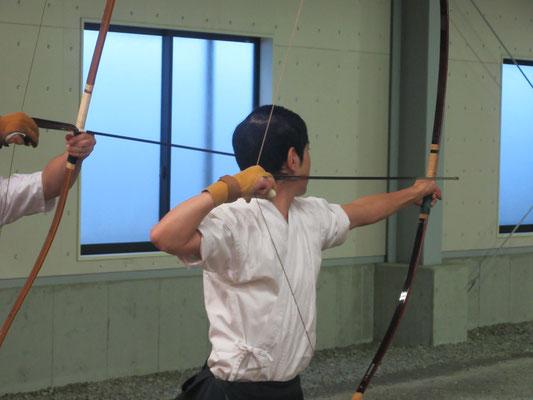 本学H28卒部の山坂さん、飛び入り参加、袴が長くてごめんなさい