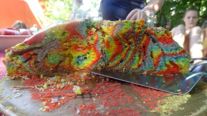 Regenbogen-Kuchen :)