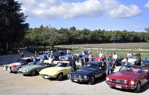 "Road trip in vintage car, destination ""Pont du Gard"""