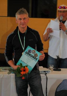 Wolfgang Hinze nach der Siegerehrung der Sachsenmeisterschaften.