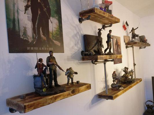 Immer wieder einer gute Kombination: Roher Stahl und Echtholz, hier in einem kreativen Wandregal.   (c) S. Samberger