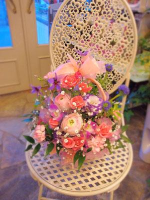 女性に人気の色合いの花束