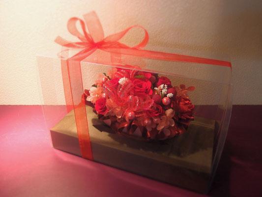 バレンタインデーにぴったりな色合いのプリザーブドフラワー