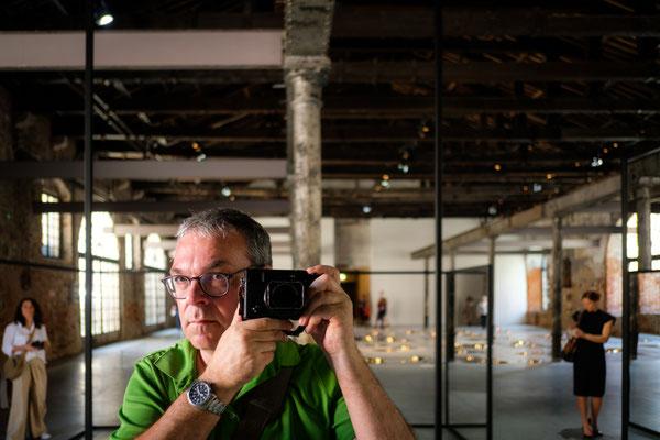 Biennale: Schon leicht beansprucht....