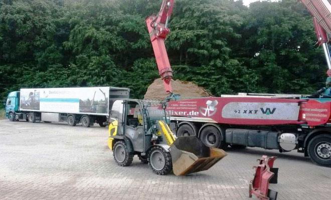 Begleitfahrzeit zu Behälterbagger DAF 85.460