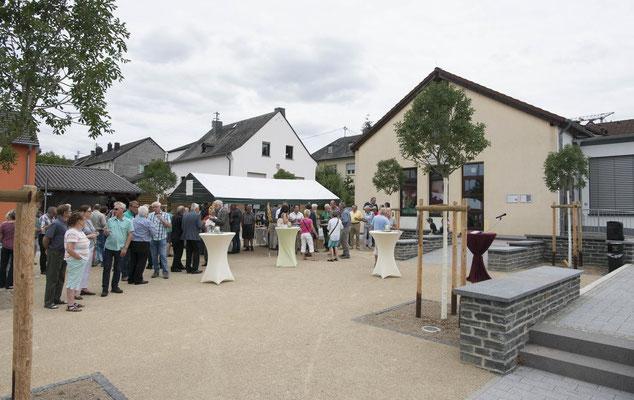 Einweihung Dorfplatz (Foto Volksfreund)